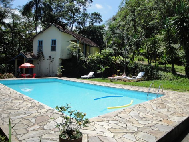 Piscina e Anexo do Bosque
